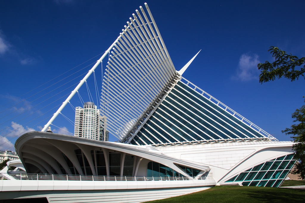 29.Milwaukee Art Museum in Milwaukee WI & The 30 Most Unique Roofs in America (According to RoofScope) memphite.com